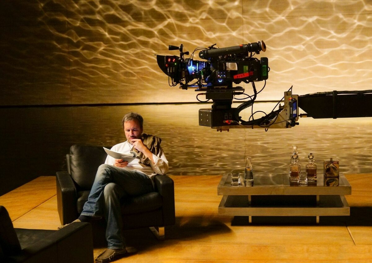 На фото – режиссер Дени Вильнев на съемках «Бегущий по лезвию 2049»