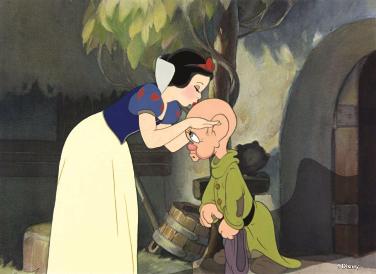 На фото – кадры из мультипликационного фильма